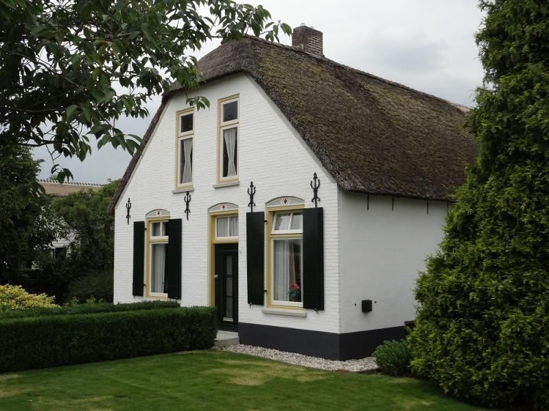 Foto voorkant woonboerderij Waardenburg - schilder